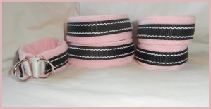 Pink fleece collar with reflective and elastic